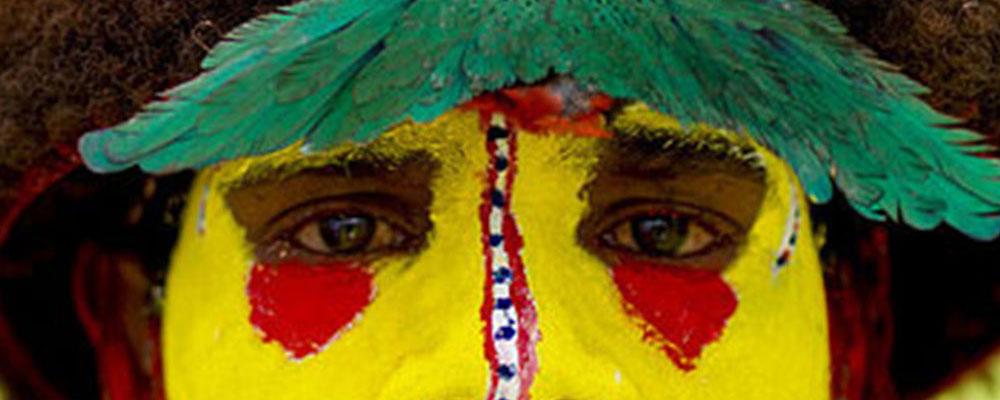 El color, la vida y la muerte en Nueva Guinea